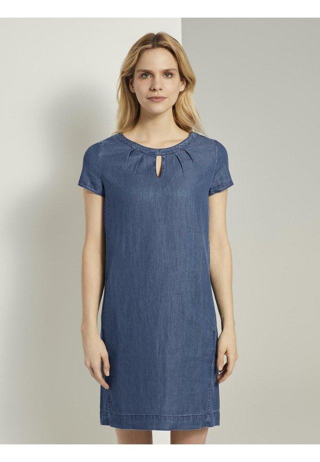 DRESS - Spijkerjurk - blue denim