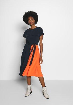 PLEATED DRESS - Košilové šaty - sky captain blue