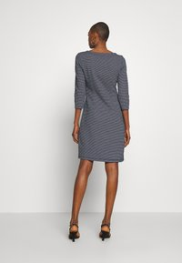 TOM TAILOR - STRUCTURED DRESS - Sweter - navy/white - 2