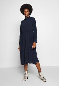 TOM TAILOR - DRESS WITH RUFFLE DETAILS - Vestido informal - sky captain blue - 1