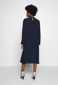 TOM TAILOR - DRESS WITH RUFFLE DETAILS - Vestido informal - sky captain blue - 2