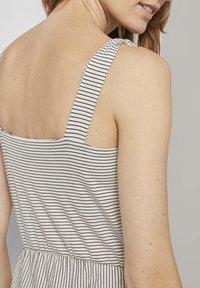 TOM TAILOR - Korte jurk - offwhite thin stripes - 4