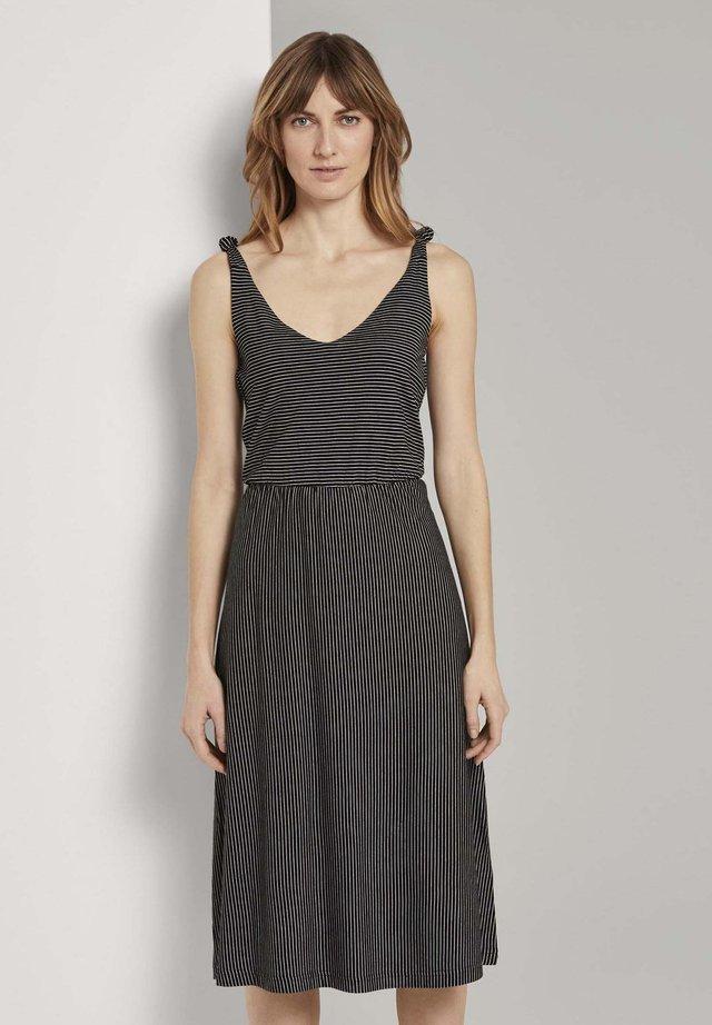 Korte jurk - black thin stripes