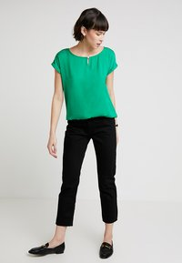 TOM TAILOR - FABRIC MIX - Blouse - light simply green - 1