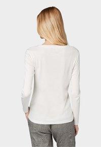 TOM TAILOR - GLITZER-DETAILS - Long sleeved top - whisper white - 2