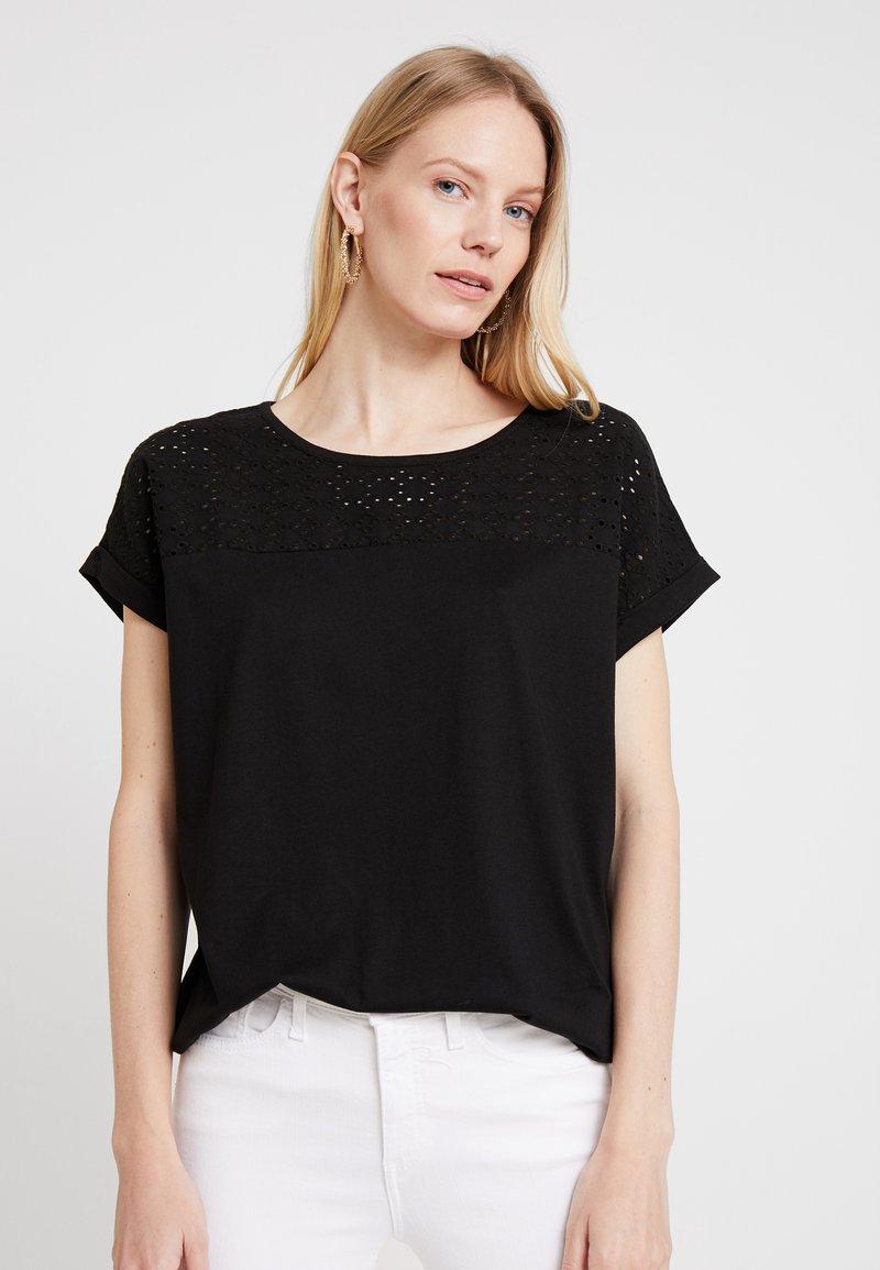 TOM TAILOR - WITH SCHIFFLI - Camiseta estampada - deep black