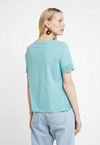 TOM TAILOR - T-shirt imprimé - canton green - 2