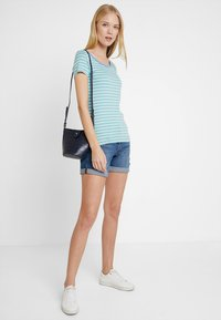 TOM TAILOR - STRIPED - T-shirts med print - green - 1