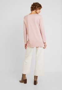 TOM TAILOR - STRUCTURE CRINCLE - Long sleeved top - rose/white - 2