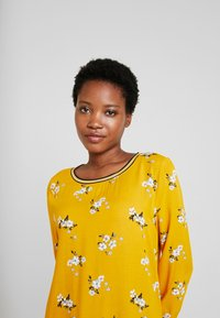TOM TAILOR - FABRIC PRINT MIX - Blouse - yellow - 3