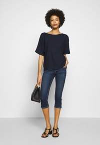 TOM TAILOR - MODERN STRUCTURE - T-shirts - sky captain blue - 1