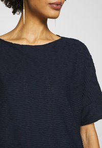 TOM TAILOR - MODERN STRUCTURE - T-shirts - sky captain blue - 4