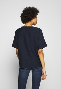 TOM TAILOR - MODERN STRUCTURE - T-shirts - sky captain blue - 2