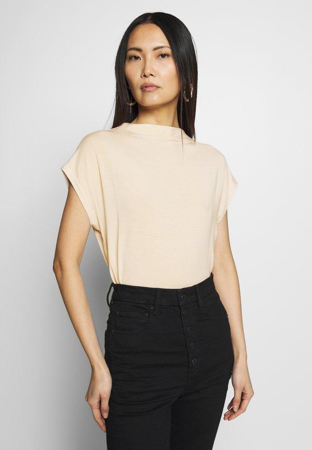 MODERN BASIC - T-shirt basic - soft vanilla