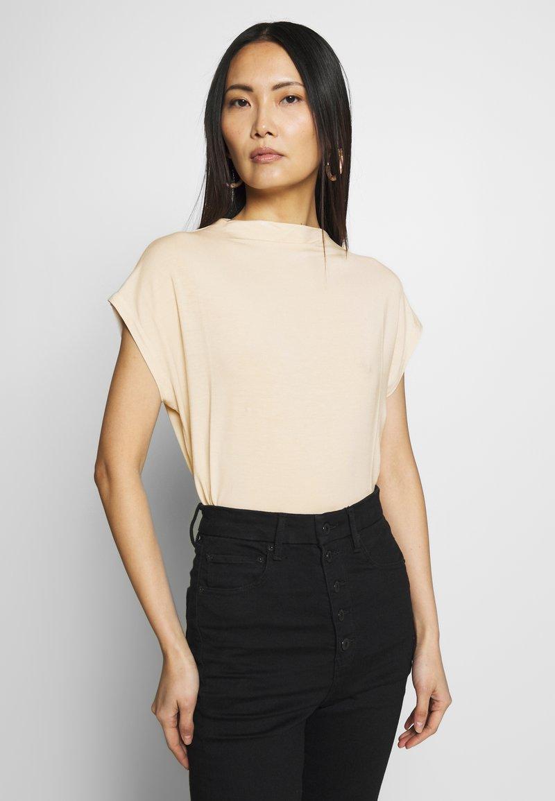 TOM TAILOR - MODERN BASIC - Basic T-shirt - soft vanilla