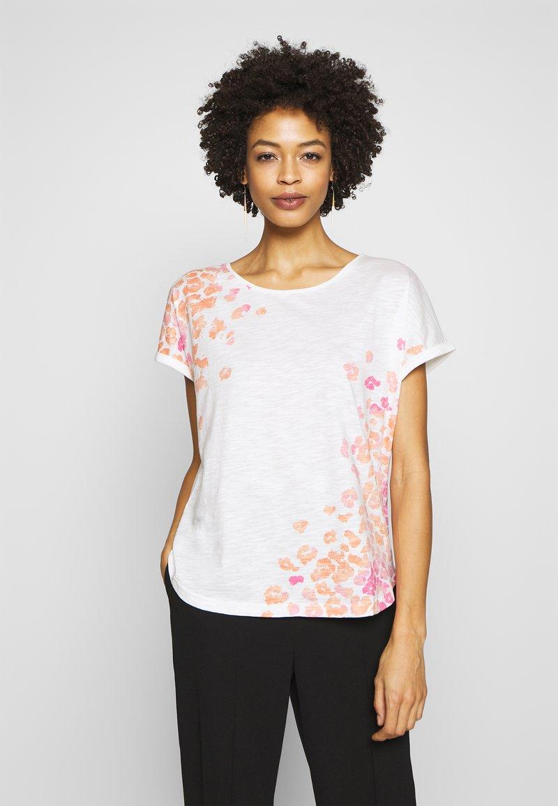 TOM TAILOR - SLUB PLACED PRINT - T-shirt z nadrukiem - whisper white