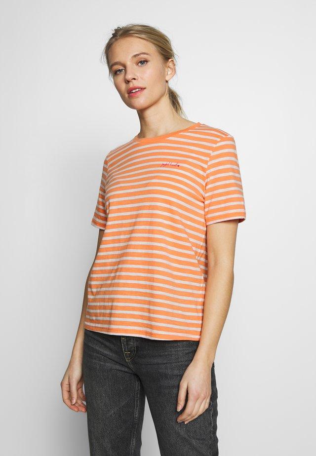 T-shirt z nadrukiem - melon/offwhite