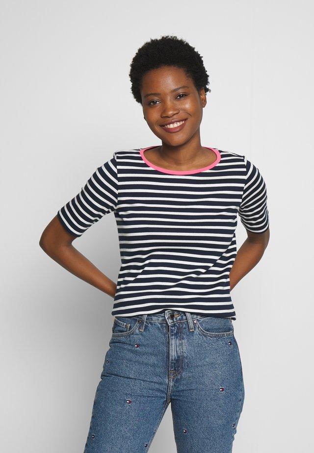 STRIPE CONTRAST NECK - T-shirt z nadrukiem - dark blue