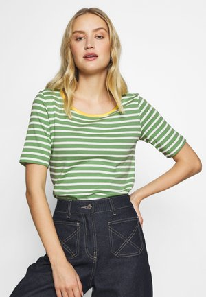 STRIPE CONTRAST NECK - T-shirts med print - green