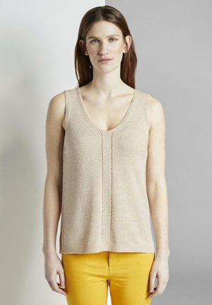TOM TAILOR PULLOVER & STRICKJACKEN STRICK-TOP MIT KURZEN SEITENS - Jumper - soft vanilla