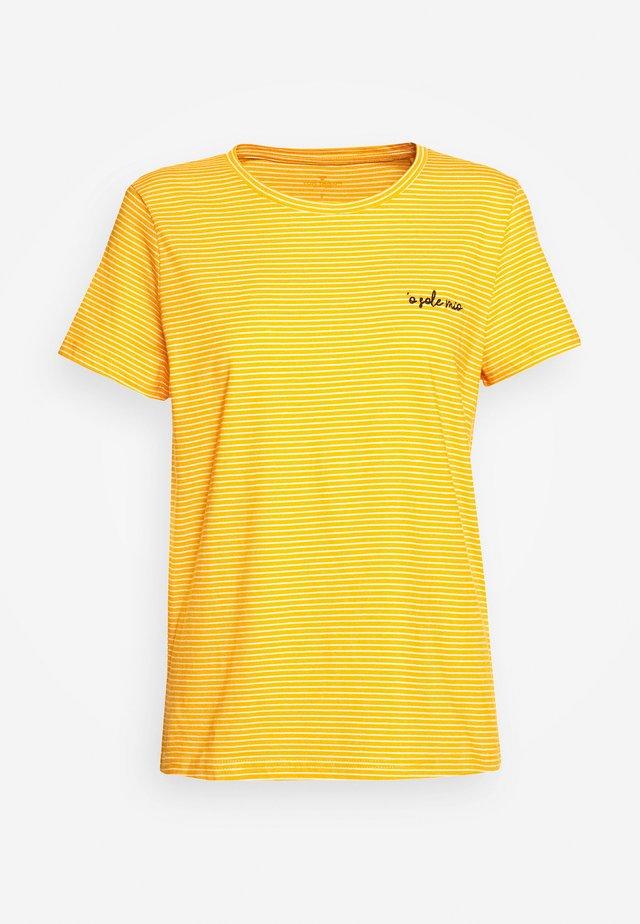 CREW NECK - T-shirt z nadrukiem - yellow