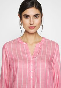 TOM TAILOR - STRUCTURED BLOUSE - Bluzka - pink - 4