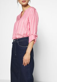 TOM TAILOR - STRUCTURED BLOUSE - Bluzka - pink - 6