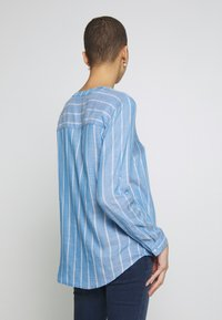 TOM TAILOR - STRUCTURED BLOUSE - Blouse - blue - 2