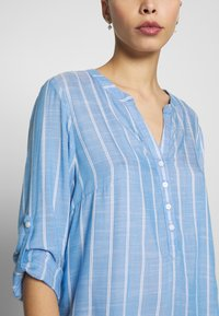 TOM TAILOR - STRUCTURED BLOUSE - Blouse - blue - 4