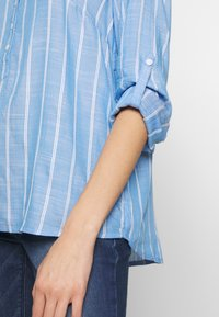 TOM TAILOR - STRUCTURED BLOUSE - Blouse - blue - 3