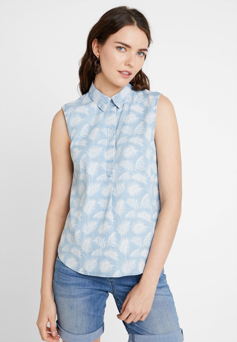 TOM TAILOR - SLEEVELESS BLOUSE WITH PALMS - Bluse - blue/white