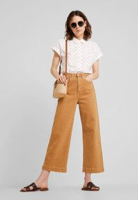 TOM TAILOR - BLOUSE WITH COLOURFUL DOBBY - Button-down blouse - white - 1
