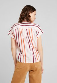 TOM TAILOR - BLOUSE WITH LIGHT STRIPES - Overhemdblouse - offwhite - 2