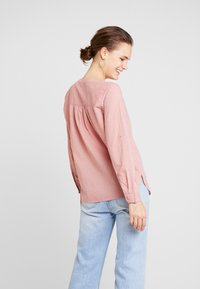 TOM TAILOR - BLOUSE WITH PINTUCKS - Camicetta - vintage rose - 2