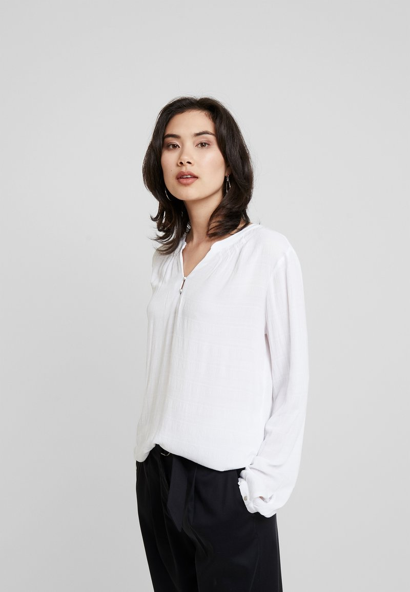 TOM TAILOR - BLOUSE SOLID  - Bluser - white
