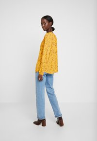 TOM TAILOR - BLOUSE WITH STRUCTURE - Blůza - yellow - 2