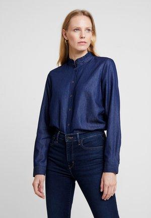 BLOUSE - Skjorte - blue denim