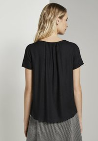 TOM TAILOR - BLOUSE WITH NECK - Blusa - black - 2