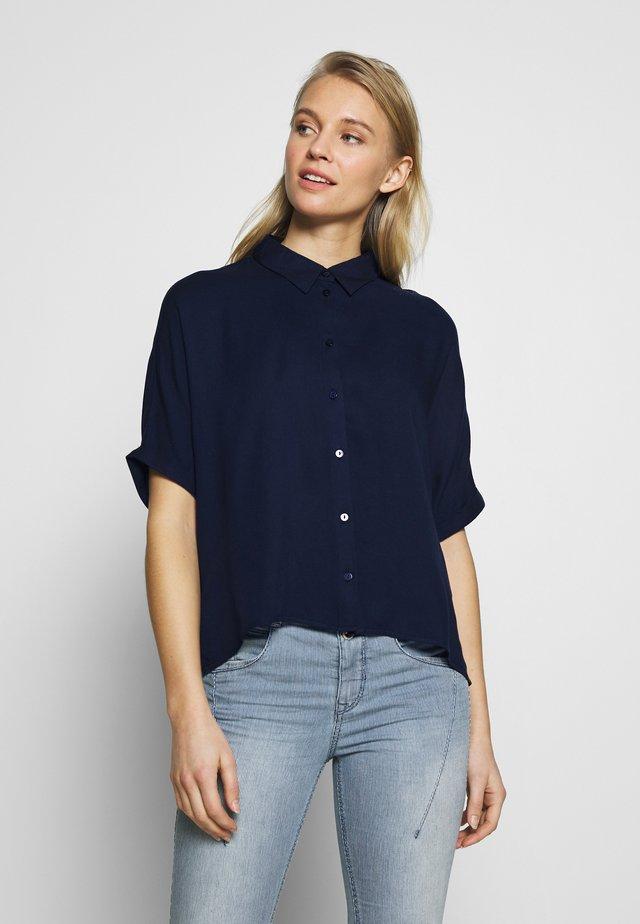 BLOUSESOLID LOOSE SHAPE - Button-down blouse - sky captain blue