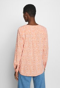 TOM TAILOR - BLOUSE PRINTED - Bluser - coral - 2