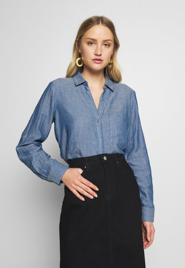 BLOUSE WITH DOUBLE FACE FABRIC - Button-down blouse - kentucky blue