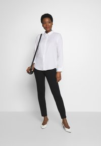mine to five TOM TAILOR - BLOUSE - Button-down blouse - white - 1