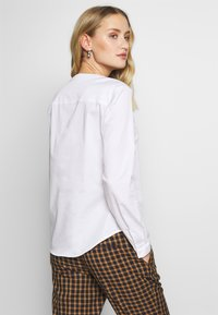 mine to five TOM TAILOR - TOUCH BLOUSE - Blůza - white - 2
