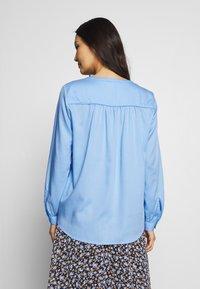 mine to five TOM TAILOR - BLOUSE FLUENT  - Blouse - soft charming blue - 2