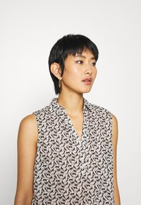 TOM TAILOR - BLOUSE PRINT AND SOLID - Camicetta - vanilla - 3