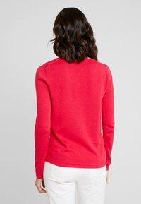 TOM TAILOR - BASIC V NECK - Sweter - dawn pink - 2