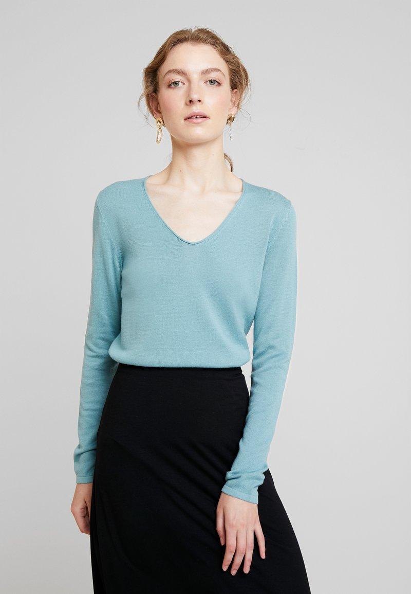 TOM TAILOR - BASIC V NECK - Sweter - mineral stone blue