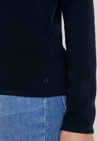 TOM TAILOR - BASIC V NECK - Sweter - sky captain blue - 4