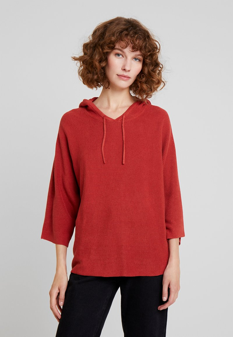 TOM TAILOR - BATWING - Kapuzenpullover - dry red