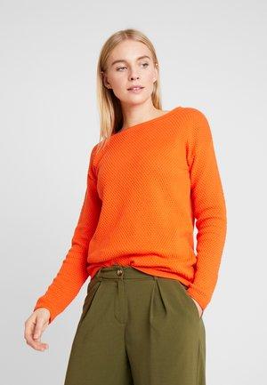 STRUCTURED - Strikkegenser - knockout orange